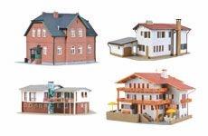 Dorf und Wohnhäuser
