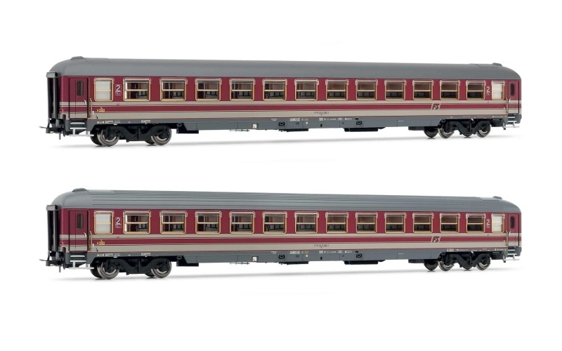 Set aus 2 Reisezugwagen Typ X 82 der FS, DC, Spur H0