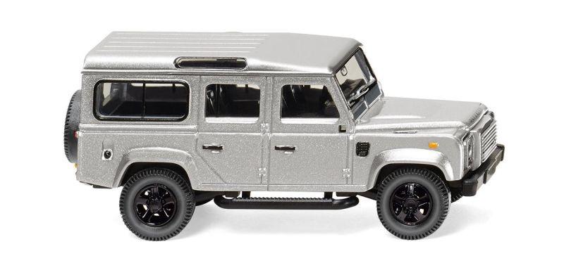 Land Rover Defender 110 - silber-metallic 1:87 / H0