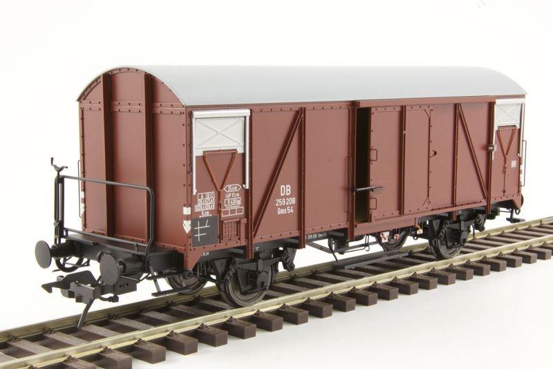 Güterwagen Gms 54 mit Bremserbühne, PVC-Dach, Spur 0