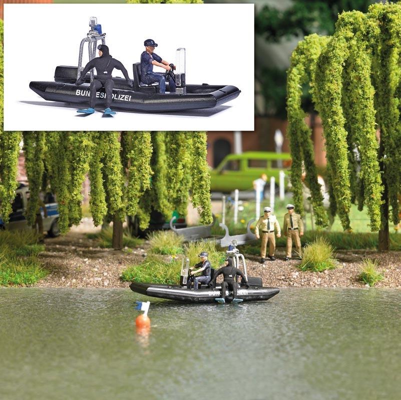 See mit fahrendem Polizeiboot, Spur H0