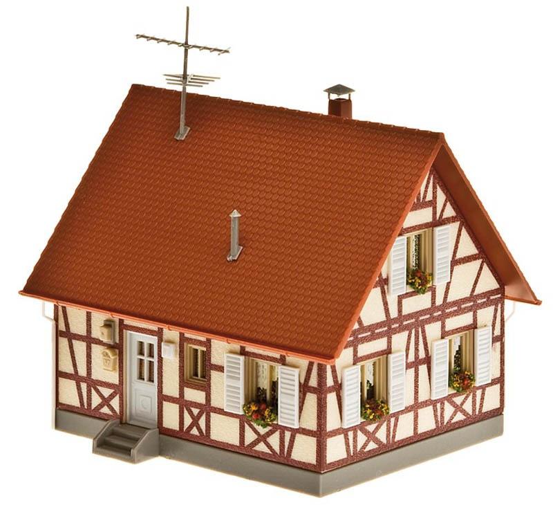 Einfamilienhaus mit Fachwerk Bausatz H0