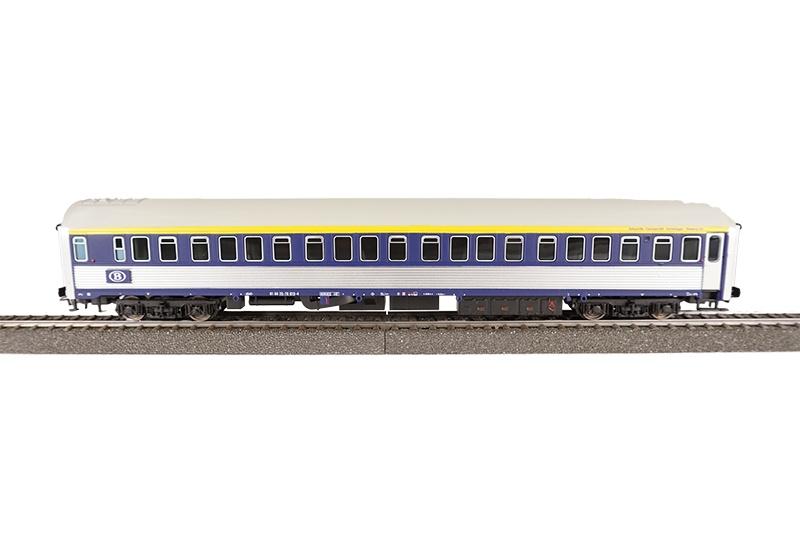 Schlafwagen Typ P, silbern/blau, SNCB, blaues Schild, DC, H0