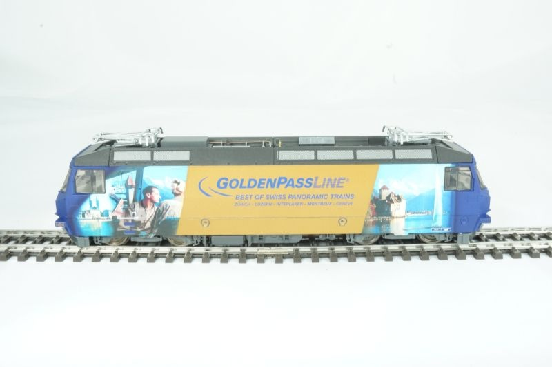 E-Lok MOB Ge 4/4 8004 GoldenPassLine, VI, DC, Spur H0