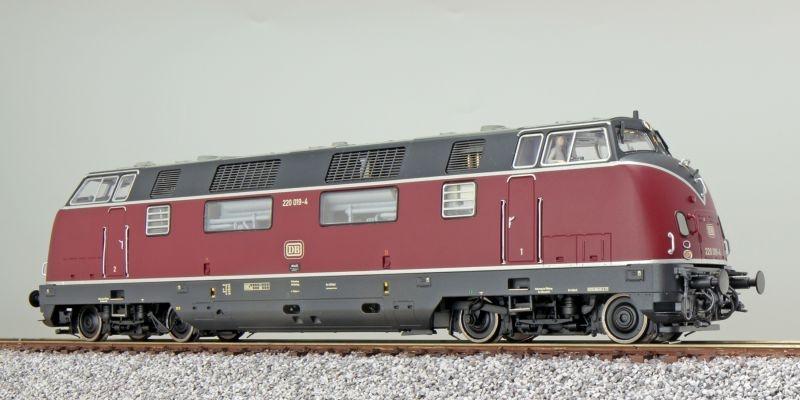 Diesellok 220 019 DB, altrot, IV, Sound+Rauch, DC / AC, H0