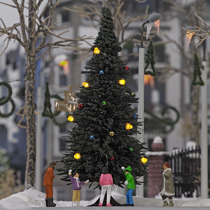 Beleuchteter Weihnachtsbaum ohne Schnee, Spur H0