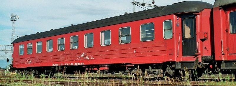 Topline Personenwagen CB3 21233 der NSB, Rot/Schwarz, H0