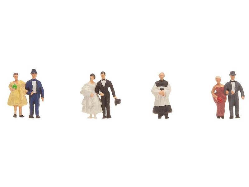Brautpaar mit Pfarrer Figuren N
