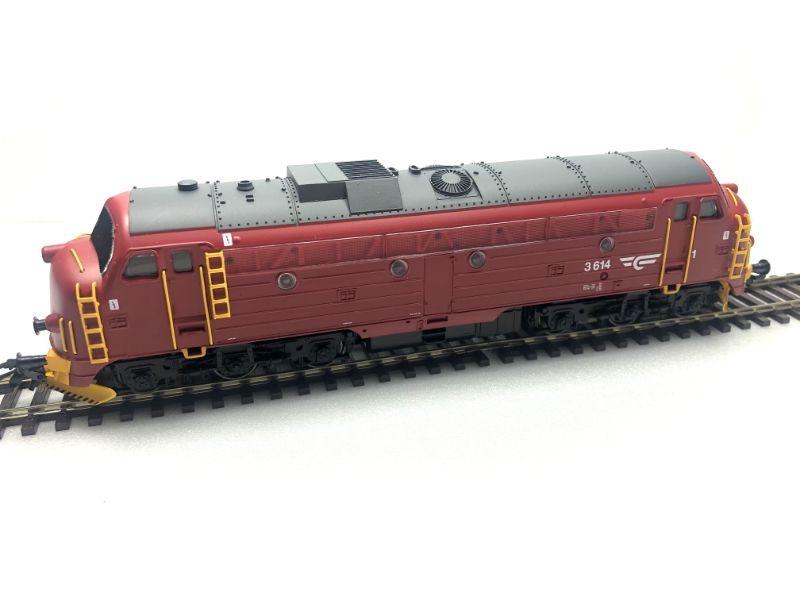 Diesellokomotive NOHAB Di3 der NSB rot, Sound, DCC, AC, H0