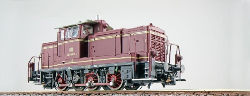 Diesellok 261 660, altrot, Epoche IV, E-Kupplung, Spur H0