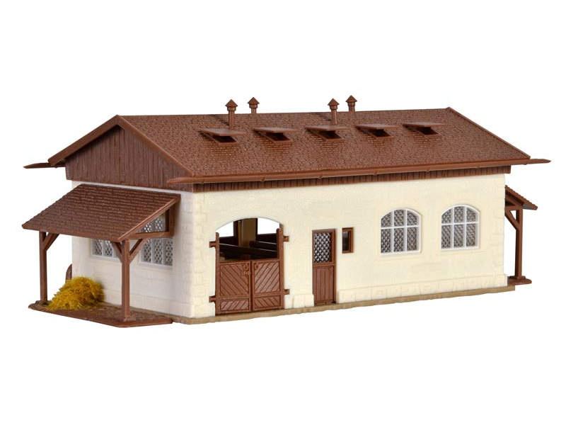 Reitstall mit Pferdekoppel, Bausatz, Spur H0
