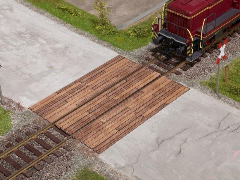 Bahnübergang Holzbohlen, Laser-Cut Bausatz, Spur 0