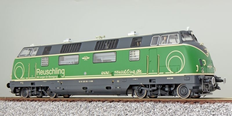 Diesellok 220 053 Brohltalbahn, Reuschling grün, DC / AC, H0