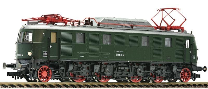 Elektrolokomotive 119 011 grün der DB, DC, Spur H0