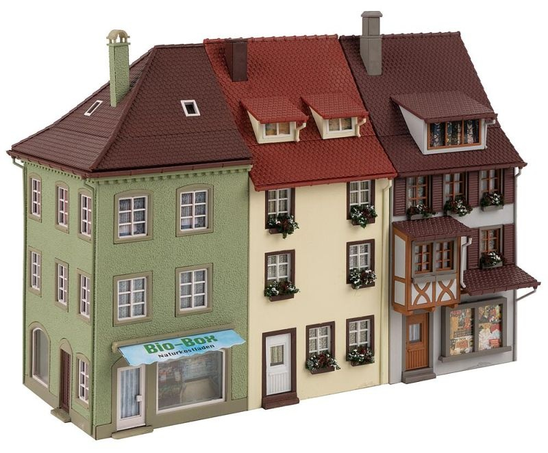 3 Kleinstadthäuser Bausatz, Spur H0