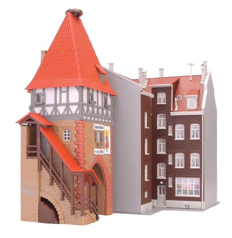 Hotel Ritter mit Stadttor Bausatz, Spur H0
